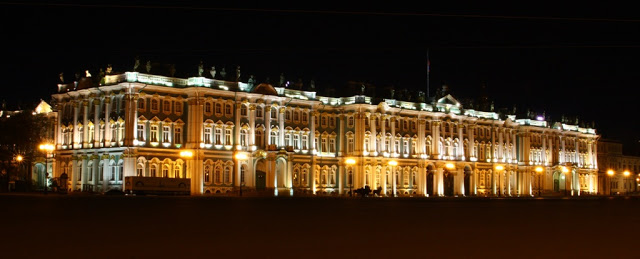 Russia St Petersburg Leningrad city-break light architecture Winter palace museum