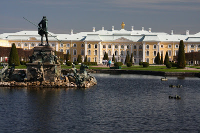 St Petersburg Russia city-break upper gardens palace Peter Great summer residence Petrodvorets