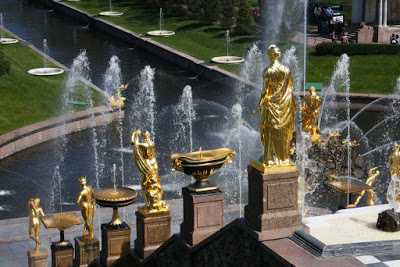 St Petersburg Russia city-break Petrodvorets lower gardens palace Peter Great summer residence Baroque fountain