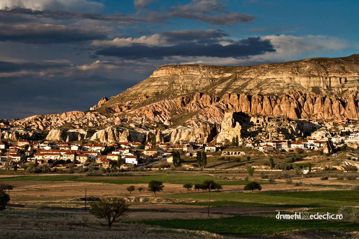 Turkey Turcia Kapadokya fairy chimney geological Goreme sunset Red Valley
